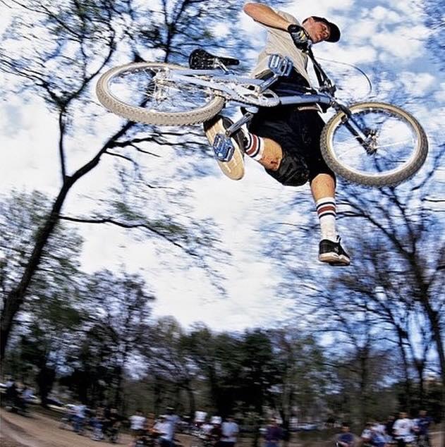 Taj Cancan jump